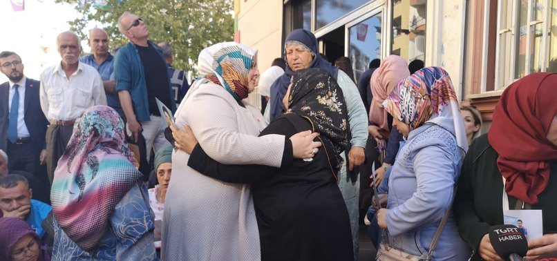 TURKISH MINISTER REITERATES SUPPORT TO KURDISH MOTHERS JOINING SIT-IN PROTEST OUTSIDE HDPS DIYARBAKIR OFFICE