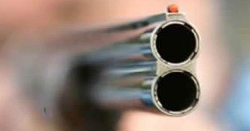 Pompalı tüfekle kayınbiraderini ve eşini yaraladı