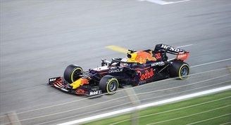 F1 Avusturya Grand Prixsinde zafer Max Verstappenin