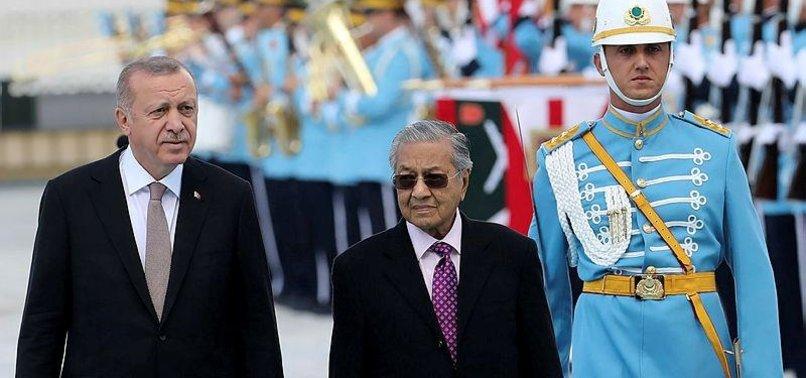 TURKEY, MALAYSIA, PAKISTAN TO LEAD MUSLIM RENAISSANCE - EXPERT