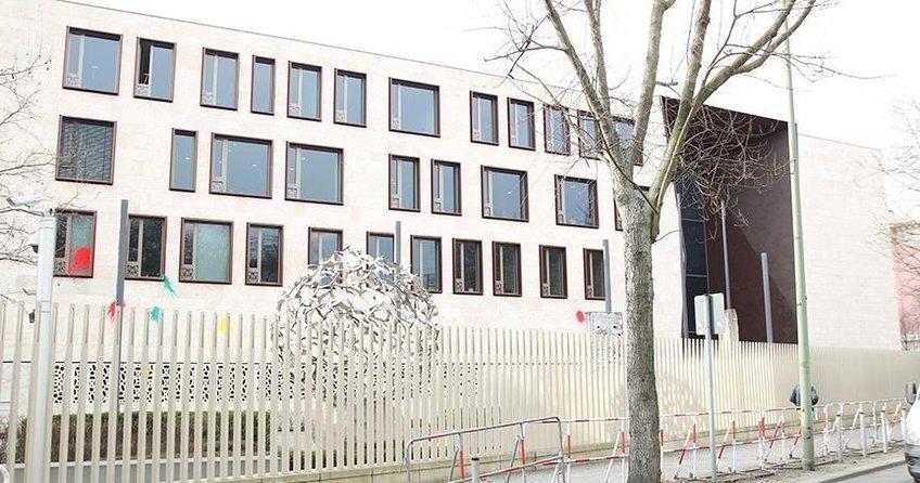 Türkiyenin Berlin Büyükelçiliğine saldırı düzenlendi