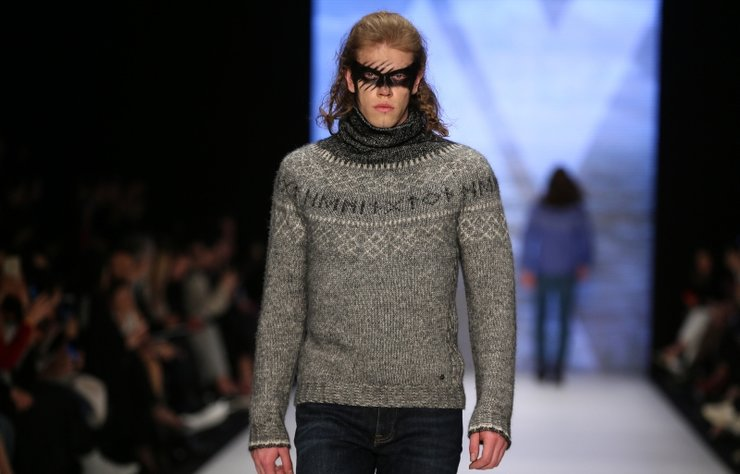 """""""Mercedes Benz Fashion Week Istanbul: Hemington   Sonbahar-Kış..."""