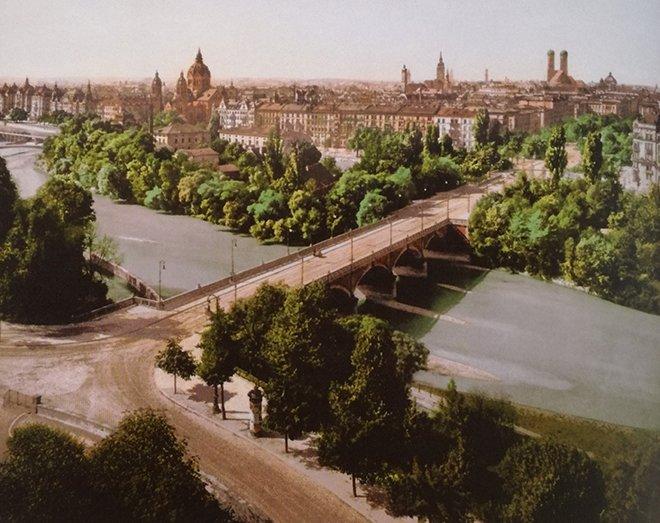 Münih'in İsar Nehri tarafından genel görünümü