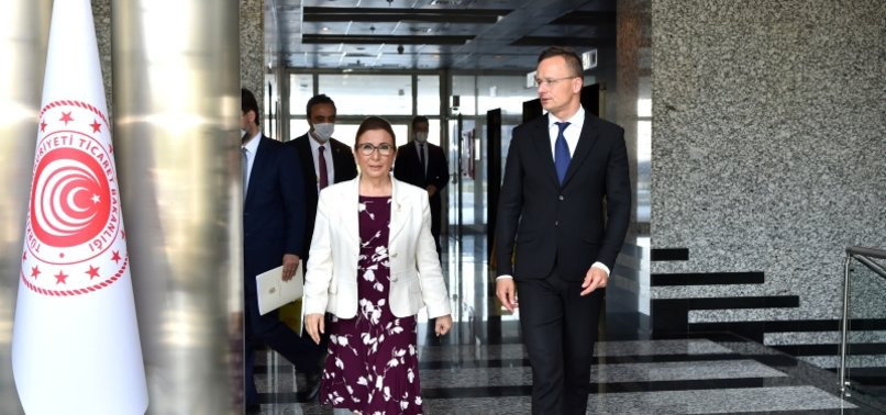 TURKEY EYES MORE TRADE WITH HUNGARY