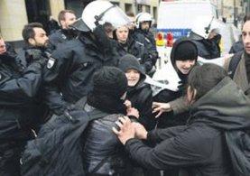 Almanya sokakları karıştı