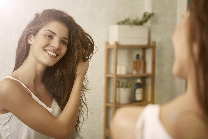 Hindistan cevizi yağı ile evde saç bakımı