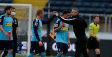 Early goals help Gladbach sink Frankfurt