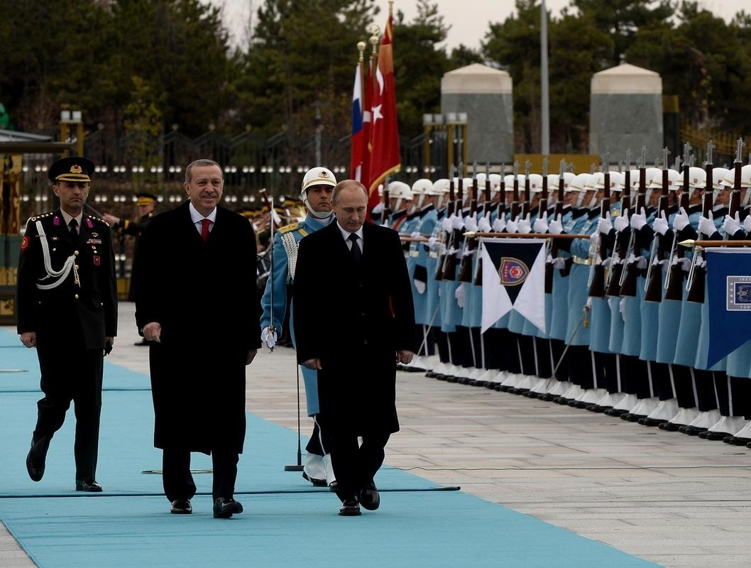 President Erdou011fan and his Russian counterpart Putin during an official greeting ceremony in Presidential Complex, Ankara