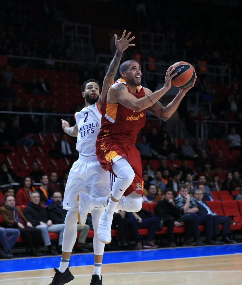 Hosts Anadolu Efes face Galatasaray Odeabank at the Abdi u0130peku00e7i Arena today.