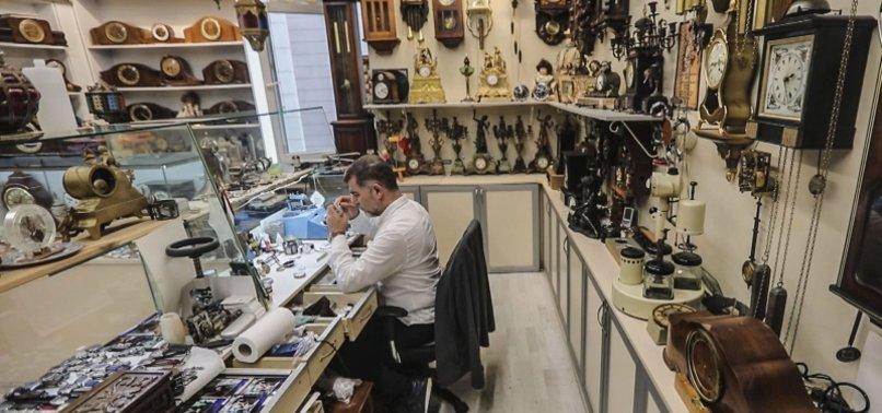'DR. CLOCK' AIMS TO REPAIR OTTOMAN-ERA CLOCKS AT TURKISH MOSQUES