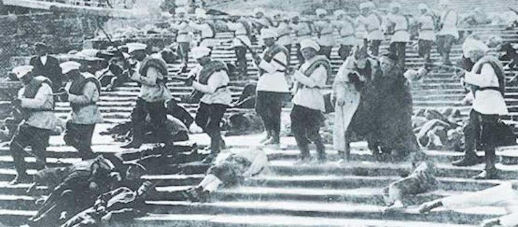 Denizcilerin karınlarında başlayan isyan: Potemkin...