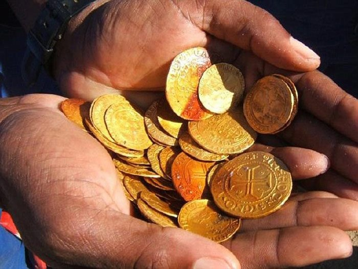 Dozens of gold Spanish coins were among the treasure trove. (Photo courtesy of Dieter Noli)