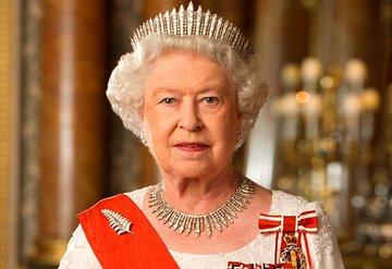 Kraliçe Elizabethin kaldığı şatonun duvarındaki ilginç ilan!