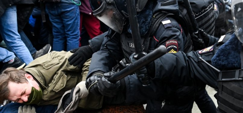 U.S. CALLS ON RUSSIA TO RELEASE DETAINED PRO-NAVALNY PROTESTERS BY CONDEMNING HARSH TACTICS
