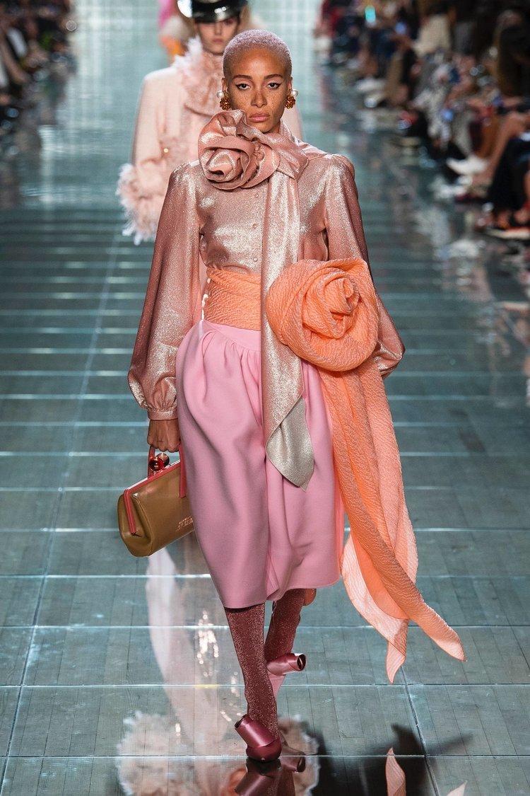 Moda dünyasında canlı mercan!