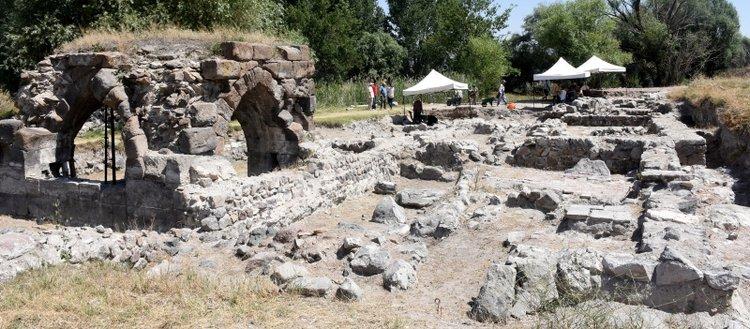 Moğolların yıktığı sarayın mimarisi ortaya...