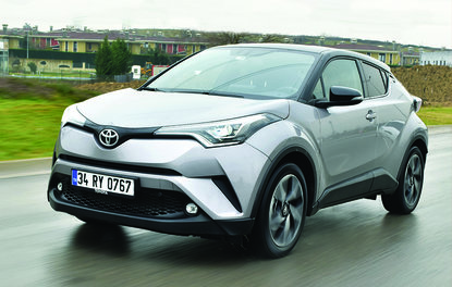 Test · Toyota C-HR 1.2 Turbo 4x4 Diamond