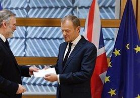 İngiltere AB'den ayrılma sürecini resmen başlattı