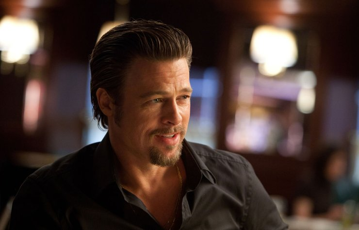 Angelina Jolie ile olaylı boşanma sürecine şahit olduğumuz yakışıklı oyuncu Brad Pitt gönlünü ırak asıllı güzele mi kaptırdı?