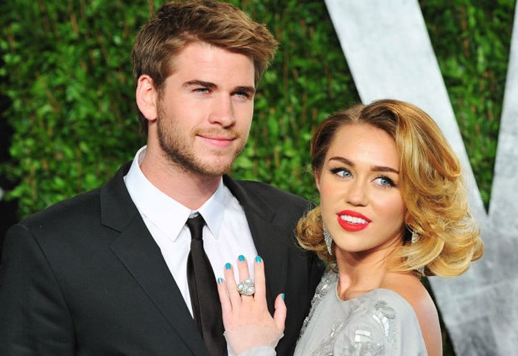 MİLEY CYRUS'TAN LİAM HEMSWORTH'E JEST!