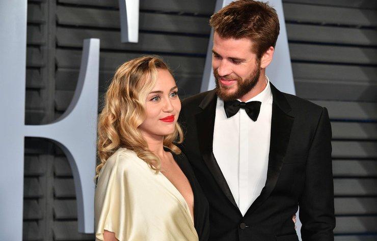 """Liam Hemsworth ile olan 8 aylık evliliğinin bitmesinde 'sadakatsizlikle' suçlanan Miley Cyrus açıklama yaptı ve """"yalancı değilim"""" dedi."""