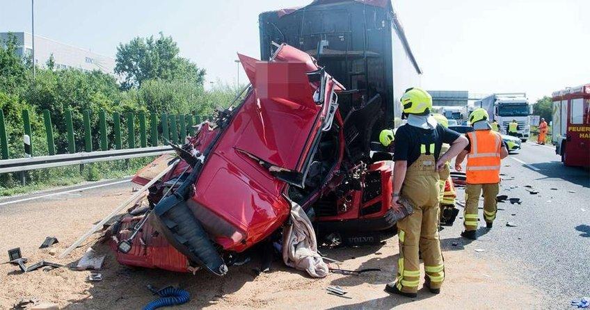 Genç şoför ağır yaralandı