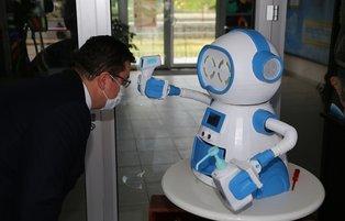 Turkish teachers develop robot to fight COVID-19