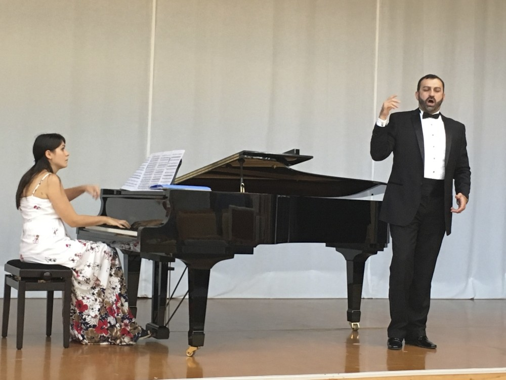 The presentation of the Nilu00fcfer International Piano Competition and Music Festival, which is scheduled to take place between Dec. 10 and 14, was held on the Spanish island of Tenerife with the participation of representatives from 16 countries.