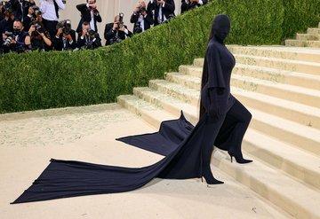 Kim Kardashian Met Gala Kostümünü Savundu