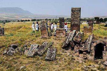 Dünyanın en büyük İslâm mezarlığı Türkiye arşivlerinde