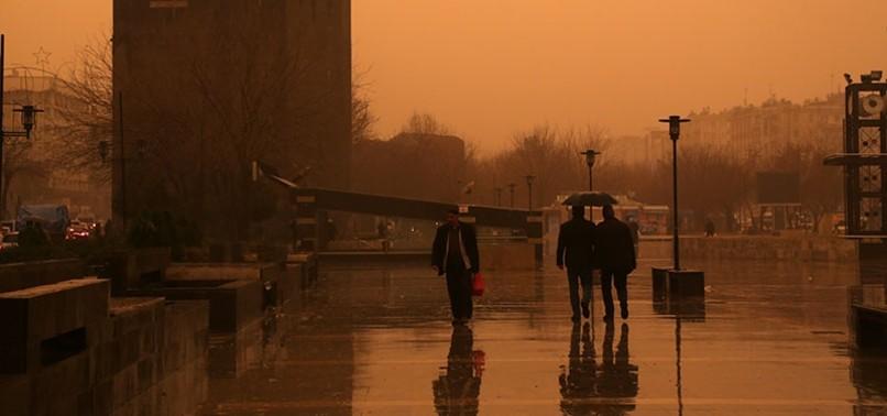 DUST STORM HAMPERS LIFE, PAINTS THE SKY RED IN SOUTHEASTERN TURKEY'S MARDIN, DIYARBAKIR