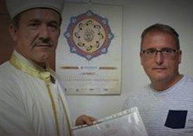 Bodrum'a geldi, Müslüman oldu