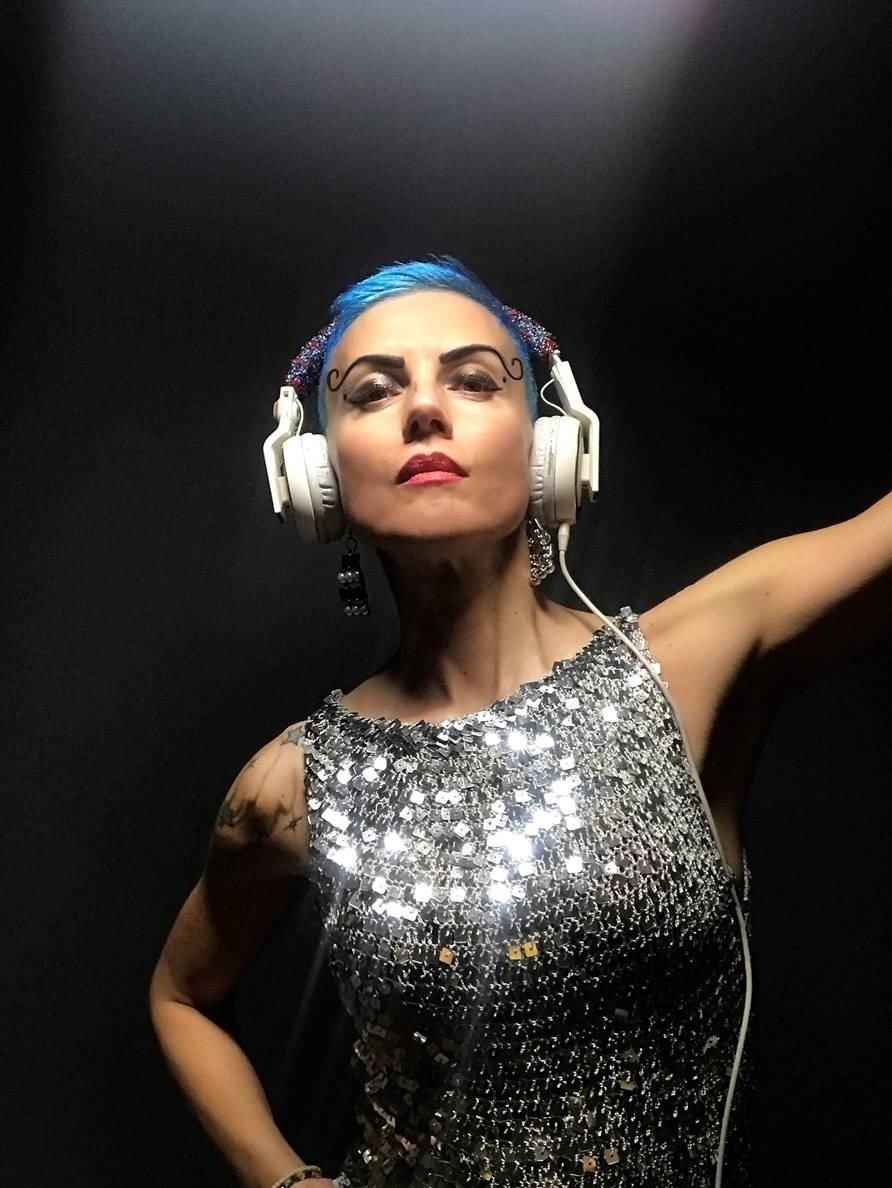 ÜNLÜ YUNAN DJ, İSTANBUL'A GELİYOR