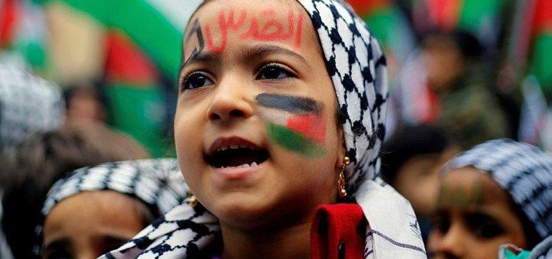 PALESTINIANS BLAST UN RELIEF AGENCY'S DOWNSIZING PLANS