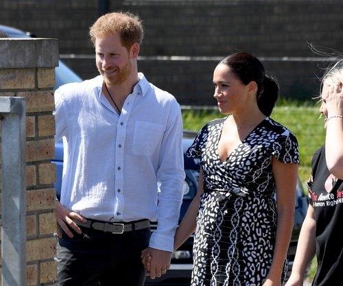 Meghan Markle ve Prens Harry'nin Güney Afrika ziyareti başladı