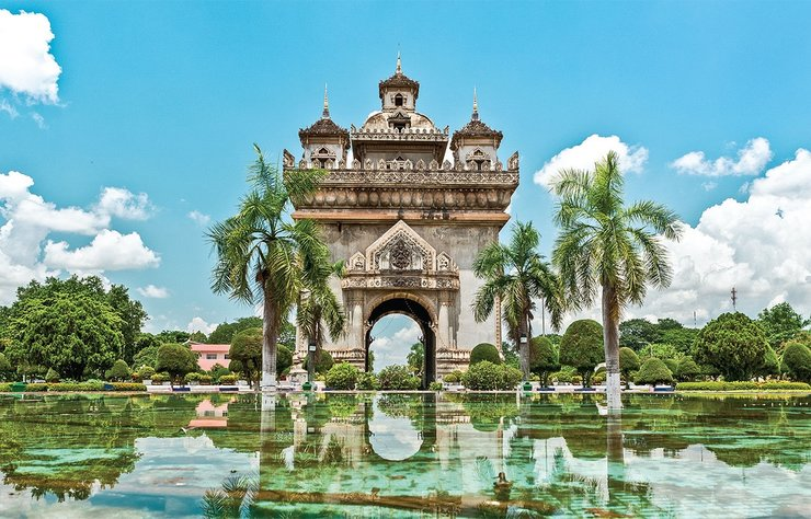 Güneydoğu Asya'da bulunan ve adı pek bilinmeyen Laos adlı ülke, birçok tarihi, kültürel ve doğal güzelliği barındırıyor. Uzun bir dönem sömürgesinde kaldığı Fransızların etkisinin sürdüğü ülkede keyifli bir tatil geçirebilirsiniz.