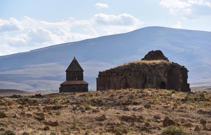 Ani Ören Yeri'nde Kazı ve Restorasyon Devam Ediyor