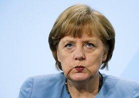 FETÖ'cüleri himaye eden Merkel bu kez de Türk imamları casus ilan etti