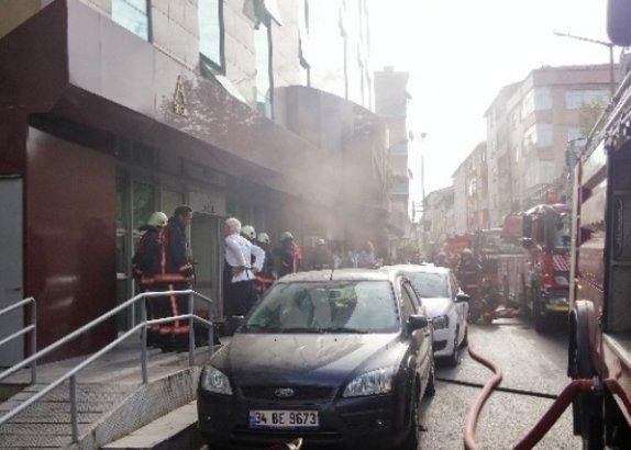 İstanbul Halkalı'da hastanede yangın!
