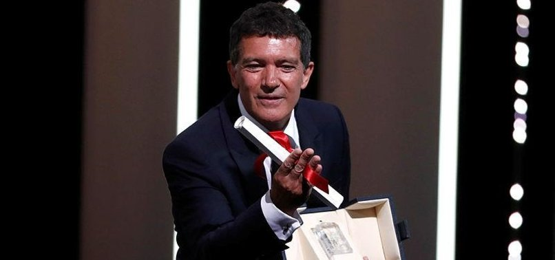 ANTONIO BANDERAS WINS BEST ACTOR AT THE CANNES FILM FESTIVAL