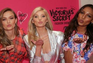 Victoria's Secret melekleri bir arada