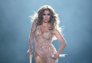 Jennifer Lopez Super Bowlu öğrendiğinde gözyaşlarını tutamadı
