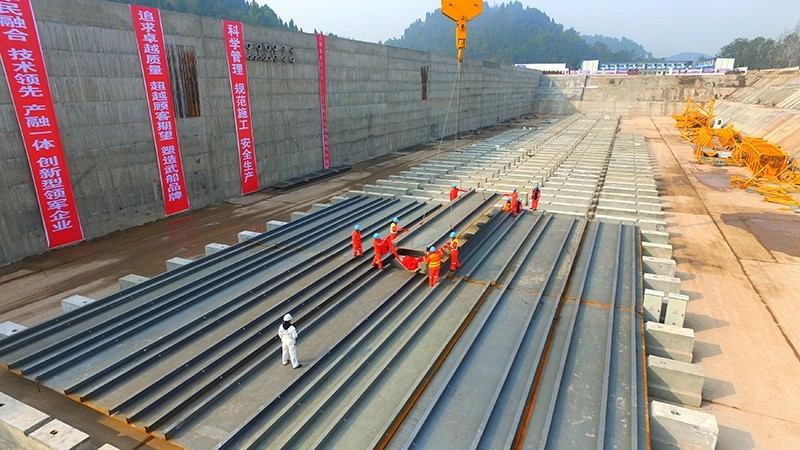 Labourers work at a construction site as a Chinese company holds a keel-laying ceremony of a life-size Titanic replica at a theme park in Daying county, Sichuan province, China, November 30, 2016 (Reuters Photo)