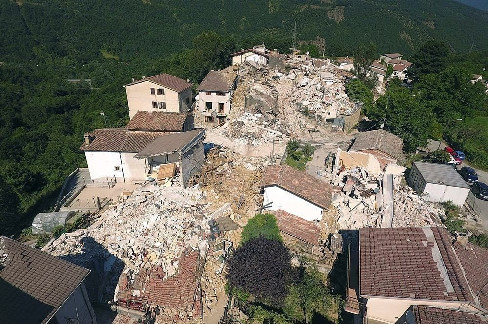 A drone photo shows the damages following an earthquake in Saletta, central Italy, August 26, 2016. (REUTERS Photo)