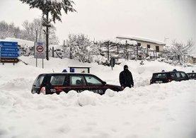 İtalya'da çığ felaketi! 30 ölü