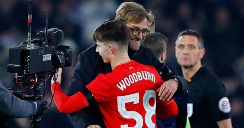 17 yaşında Liverpool tarihine geçti
