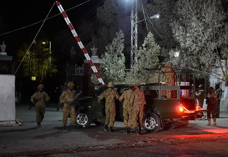 Pakistani army soldiers arrive at the Balochistan Police Training College in Quetta after militants attacked the police academy, Oct. 24, 2016. (AFP Photo)