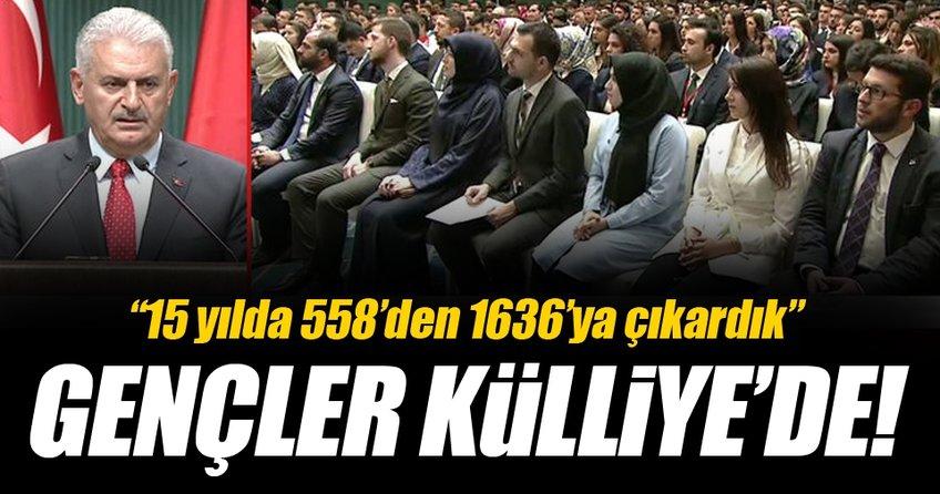 Cumhurbaşkanı Erdoğan ve Başbakan Yıldırım gençlerle Külliye'de
