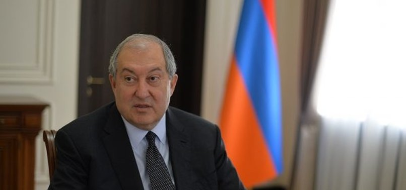 ARMENIAN PRESIDENT CALLS ON GOVERNMENT TO RESIGN