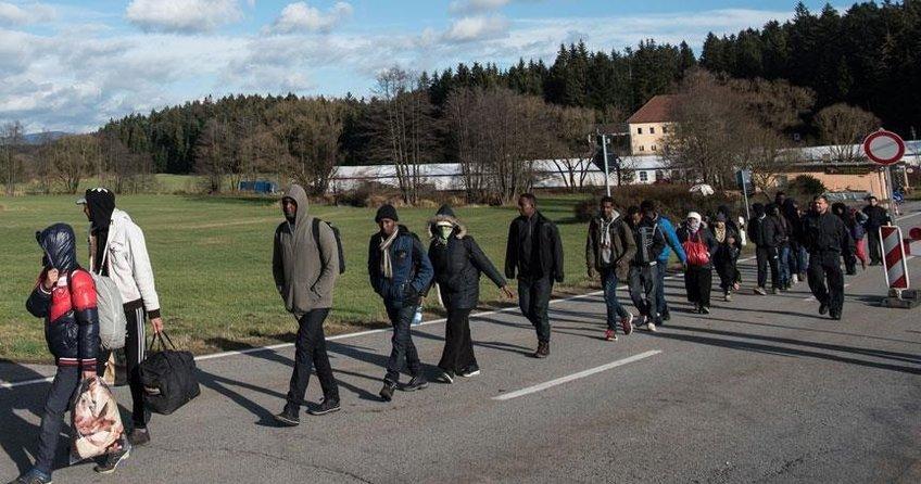 Avusturyada sığınmacılara toplama merkezi zorunluluğu